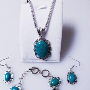NEW Women's Necklace Earrings Bracelet Set